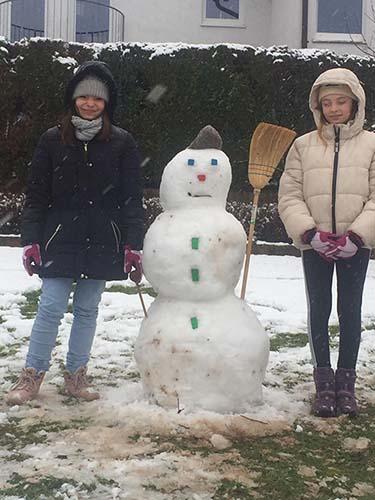 Amelia im Schnee
